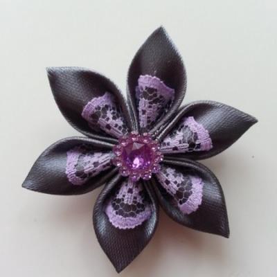 Fleur satin gris foncé et dentelle mauve  5cm