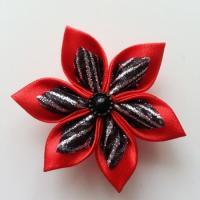 Fleur satin rouge et organza pailleté noir 5cm