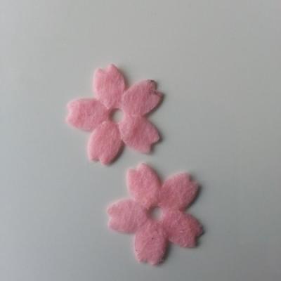 Lot de 2 fleurs en feutrine   25mm rose