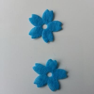 Lot de 2 fleurs en feutrine   25mm bleu