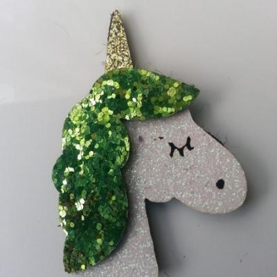 applique licorne pailletée  60mm blanc et vert