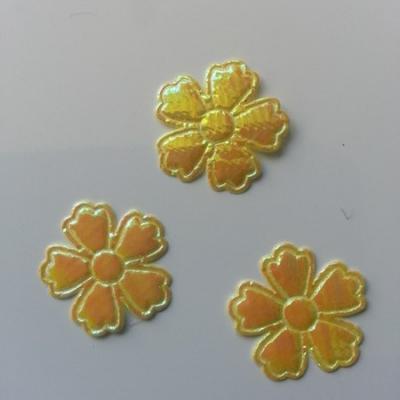 Lot de 3 fleurs  en tissu irisé    22mm jaune