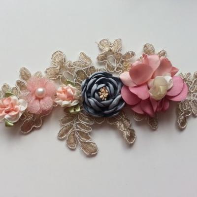 applique  en dentelle et fleur mousseline de soie rose et gris   23*11cm
