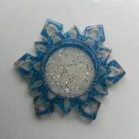 Support pour cabochon de 25mm  étoile en résine pailletée bleu