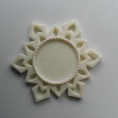 Support pour cabochon de 25mm  étoile en résine  ivoire