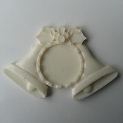 support pour cabochon  de 25mm en résine dos plat ivoire cloche noel