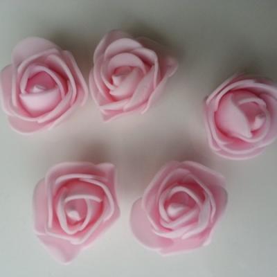 Lot de 5 têtes de rose en mousse  3cm rose clair