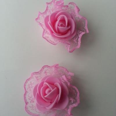 Lot de 2 têtes de rose en mousse et dentelle rose 5 cm