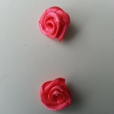 Lot de 2  minis roses en satin 10 à 15mm saumon