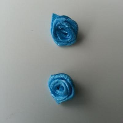 Lot de 2  minis roses en satin 10 à 15mm bleu turquoise