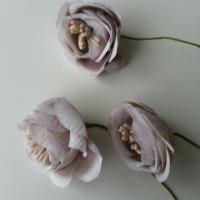 fleurs artificielles en tissu et pistils beige  sur tige lot de 3