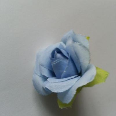 fleur rose artificielle  en tissu 35mm bleu