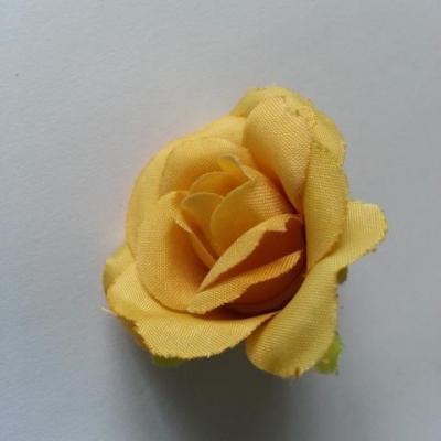 fleur rose artificielle  en tissu 35mm jaune moutarde