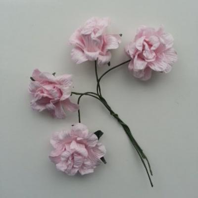 lot de 4 roses en papier rose sur tige 20mm