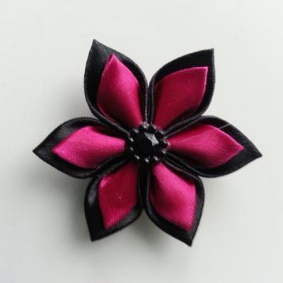 Fleur double en satin noire et rose fuchsia    5cm