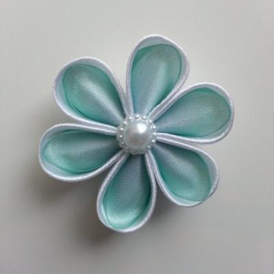 Fleur satin blanc et organza vert   5cm pétales ronds