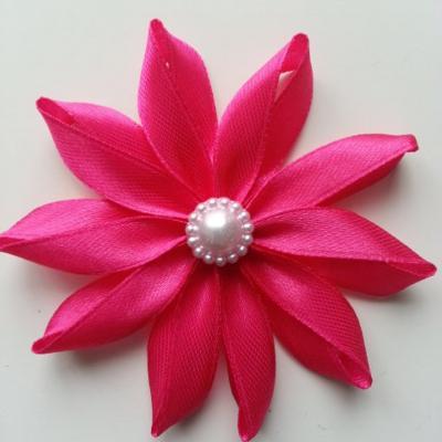Fleur de satin  7,5cm rose fuchsia