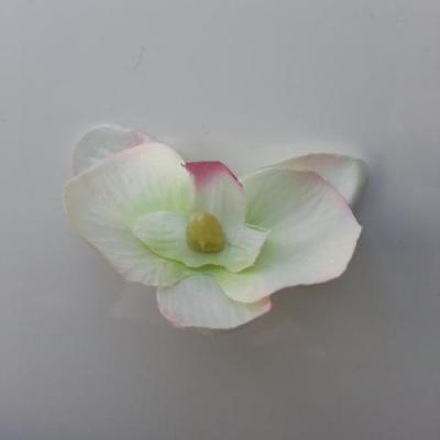 orchidée artificielle en tissu ivoire , vert et rose fuchsia  45mm