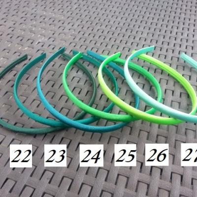N27 Serre tête recouvert de satin 10mm vert menthe