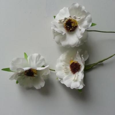 fleurs artificielles en tissu ivoire  sur tige lot de 3