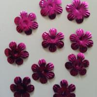 lot de 10  fleurs 35mm rose fuchsia   à reflets en plastique