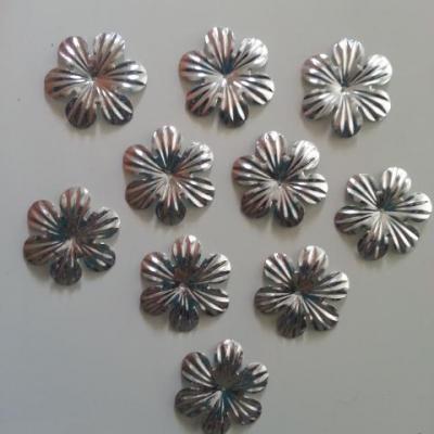 lot de 10  fleurs 35mm argent   à reflets en plastique