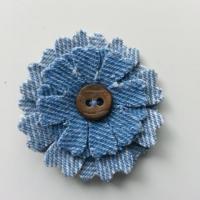 fleur de 45mm en jean bleu  clair  et bleu moyen