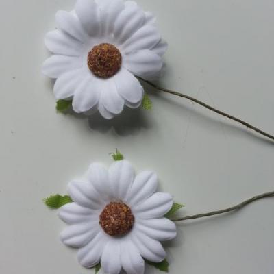 lot de 2 fleurs marguerite artificielles sur tige 50mm blanc