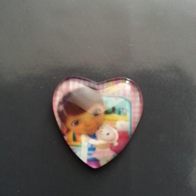 docteur peluche cabochon coeur en verre avec impression   25 mm