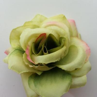 rose artificielle en tissu  de 60mm vert