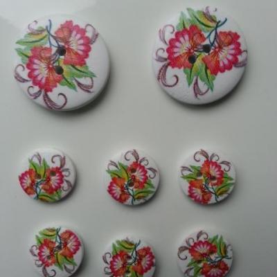lot de 8 boutons ronds en bois motif fleurs (1)   2*30mm et  6*18mm