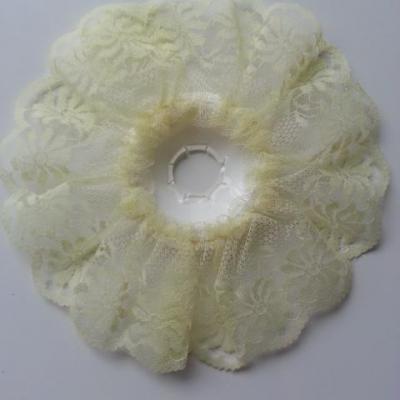 collerette pour bouquet de demoiselle d honneur dentelle jaune pale 17cm