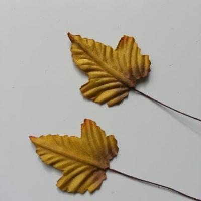 Lot de 3 feuilles artificielles marron clair   sur tige  50mm