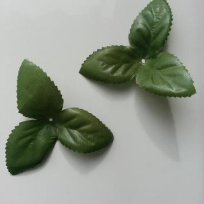 Lot de 2 triples feuilles artificielles en tissu  vertes  70mm