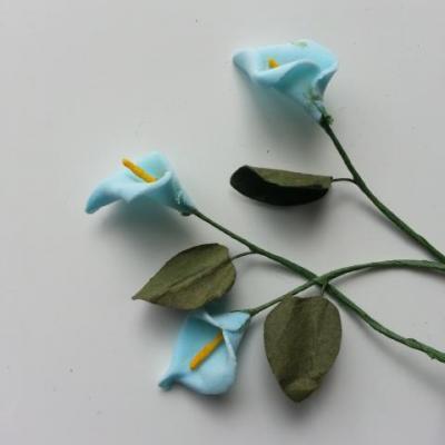 Lot de 3 minis fleurs arum sur  tige de 10cm bleu ciel