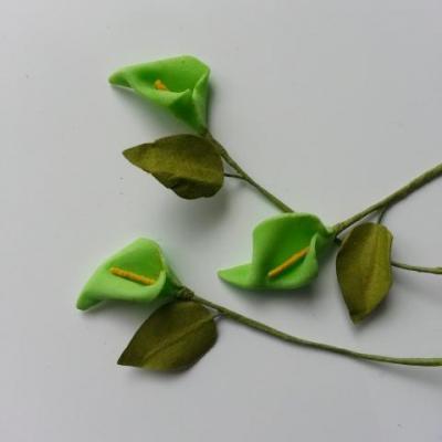 Lot de 3 minis fleurs arum sur  tige de 10cm vert