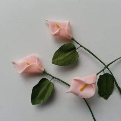 Lot de 3 minis fleurs arum sur  tige de 10cm peche clair