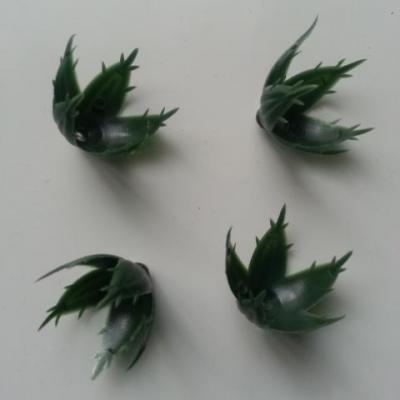 lot de 4 calices , réceptacle pour fleurs artificielles vert 30 à 40mm