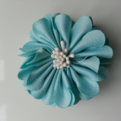 fleur en satin de soie et pistils 50mm  vert pastel