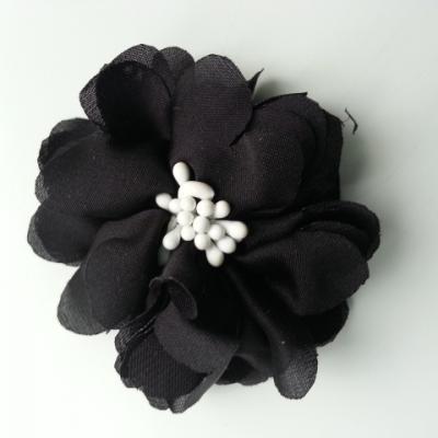 fleur en satin de soie et pistils 50mm  noir