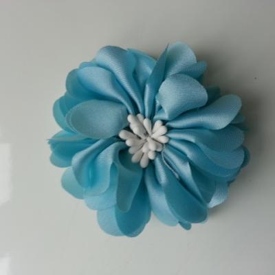 fleur en satin de soie et pistils 50mm  bleu ciel