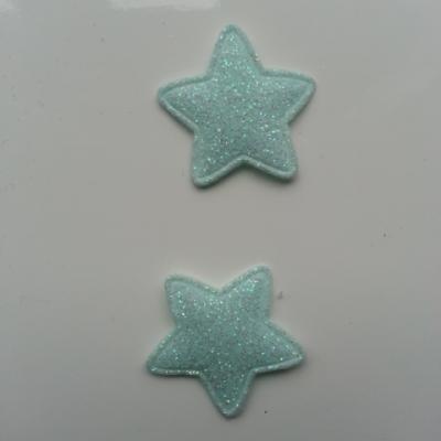 Lot de 2  étoiles matelassées 25mm vert pastel pailletées