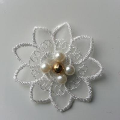 fleur en dentelle perle blanc et or 50mm