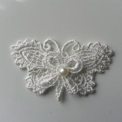 Papillon et noeud en dentelle blanc 60*35 mm