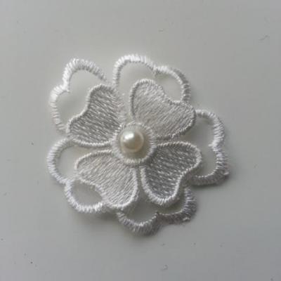 double fleur en dentelle blanche perle 45mm