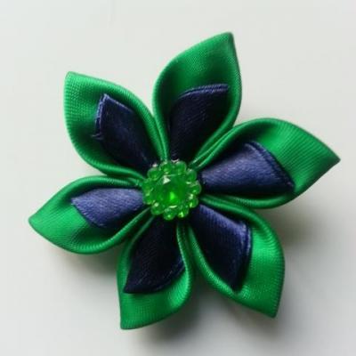 Fleur double en satin vert et bleu marine   5cm