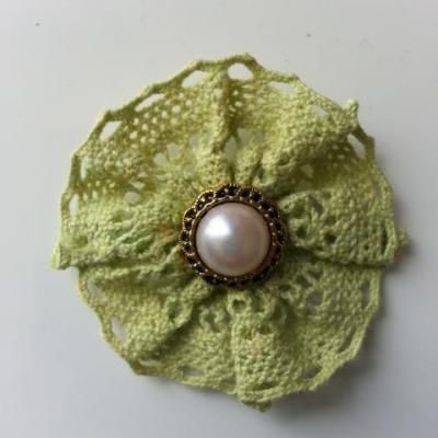 rosette en dentelle crochetée vert   45mm