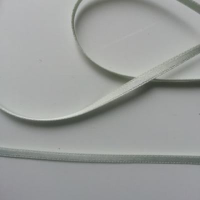 5 Mètres de ruban satin vert amande 4mm