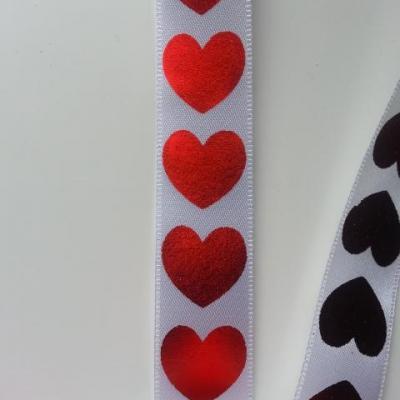 1 metre de ruban  de satin blanc aux coeurs rouge brillants   22mm