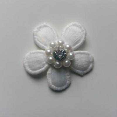 fleur en dentelle blanc perle et  strass 35 mm